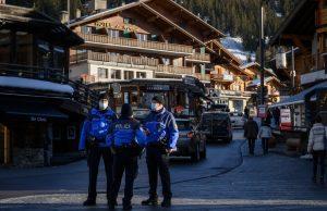 Британские туристы сбежали с карантина в Швейцарии