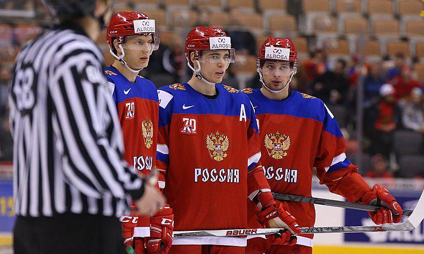 Российская молодежная хоккейная сборная проиграла спортсменам из Канады