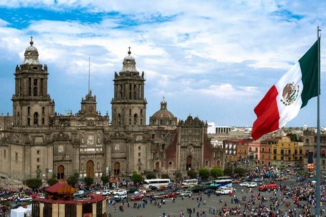 Власти Мексики думают о введении туристического налога