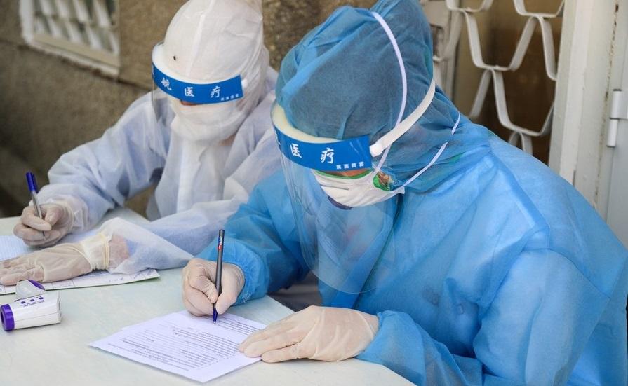 Планируется контроль вакцинации людей в праздничные дни