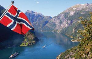 Норвегия вводит обязательное тестирование на COVID-19 на границе