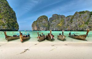 Турфирмы массово приостанавливают работу в Таиланде