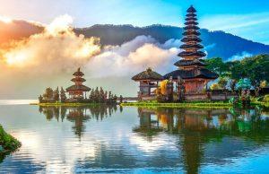 Власти Индонезии продлили запрет на въезд туристов