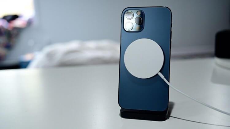 Выяснилось, что iPhone 12 опасны для здоровья