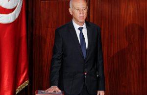 Президент Туниса получил подозрительный конверт