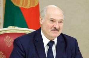 Лукашенко попросил доказать, что в Беларуси есть политзаключенные