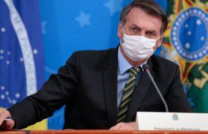 Глава Бразилии объяснил свое нежелание бороться с коронавирусом