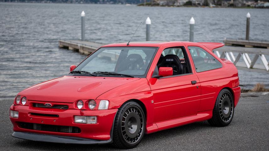 Редкий Ford 90-х выставили на продажу