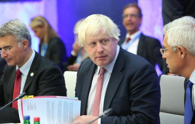 Премьер-министр Великобритании анонсировал саммит G7 в очном формате