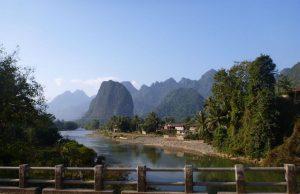 В Лаосе российские саперы занялись обезвреживанием бомб