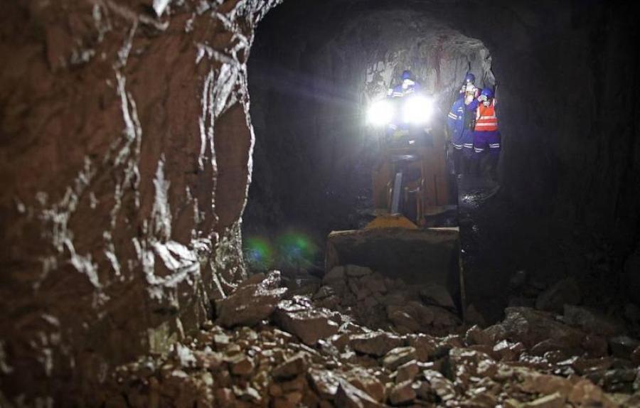 Обрушение на шахтах Камчатки. Два человека под завалами