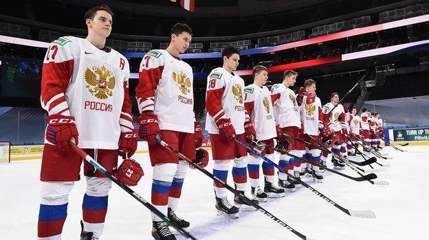 Фанат сборной Финляндии оскорбил россиян во время хоккейного матча