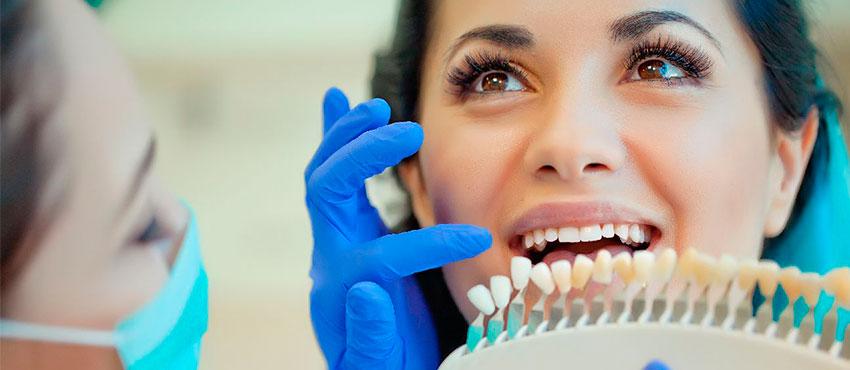 Какие продукты влияют на цвет зубов