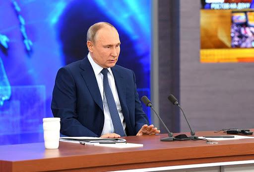 Путин вакцинируется от коронавируса к осени