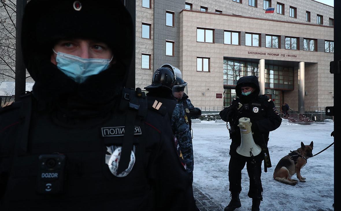 На судебное заседание Навального о клевете прибыли иностранные дипломаты
