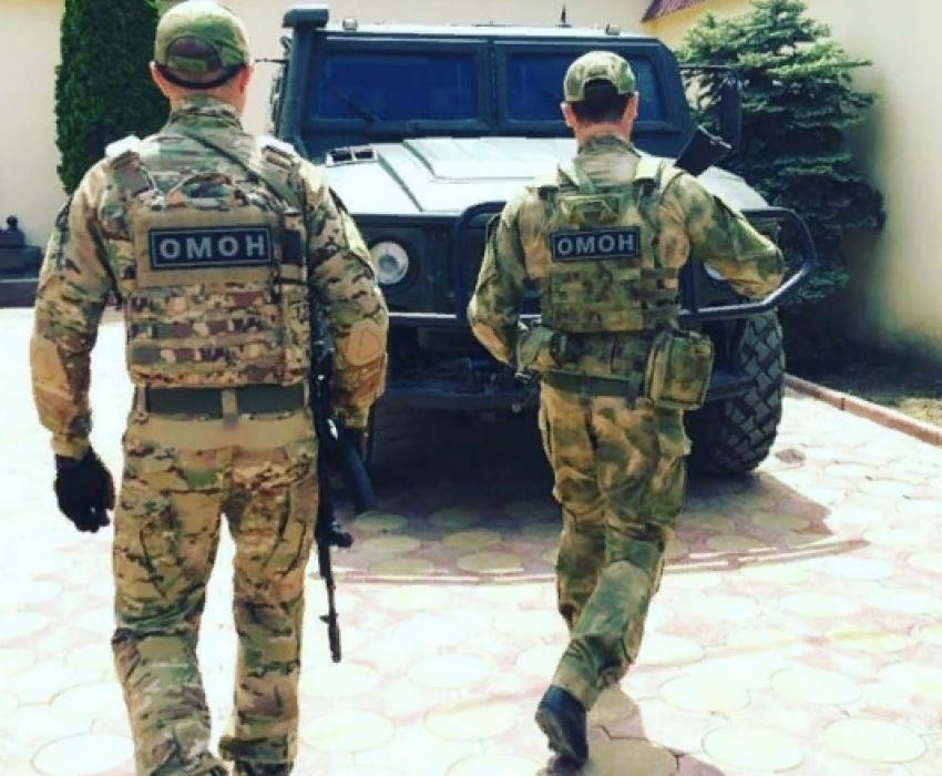 ОМОН выпустил в главу поселка 2 обоймы из табельного оружия
