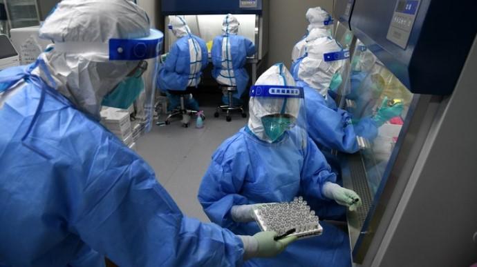 Китайские ученые на знают как коронавирус мог попасть в Ухань