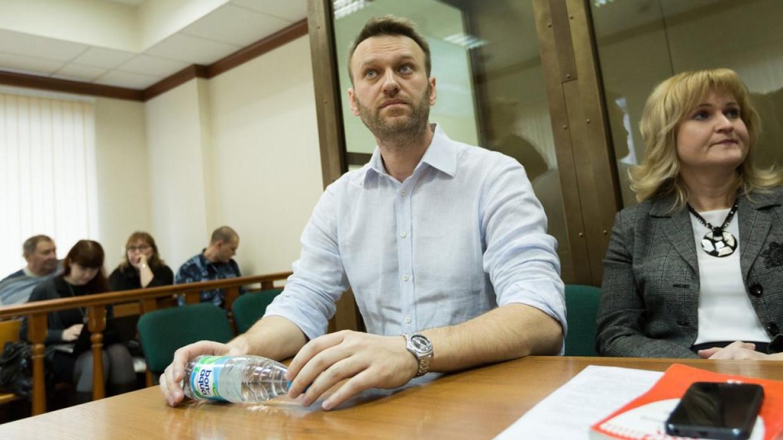 Суд не позволил Навальному проверить подлинность подписей ветерана