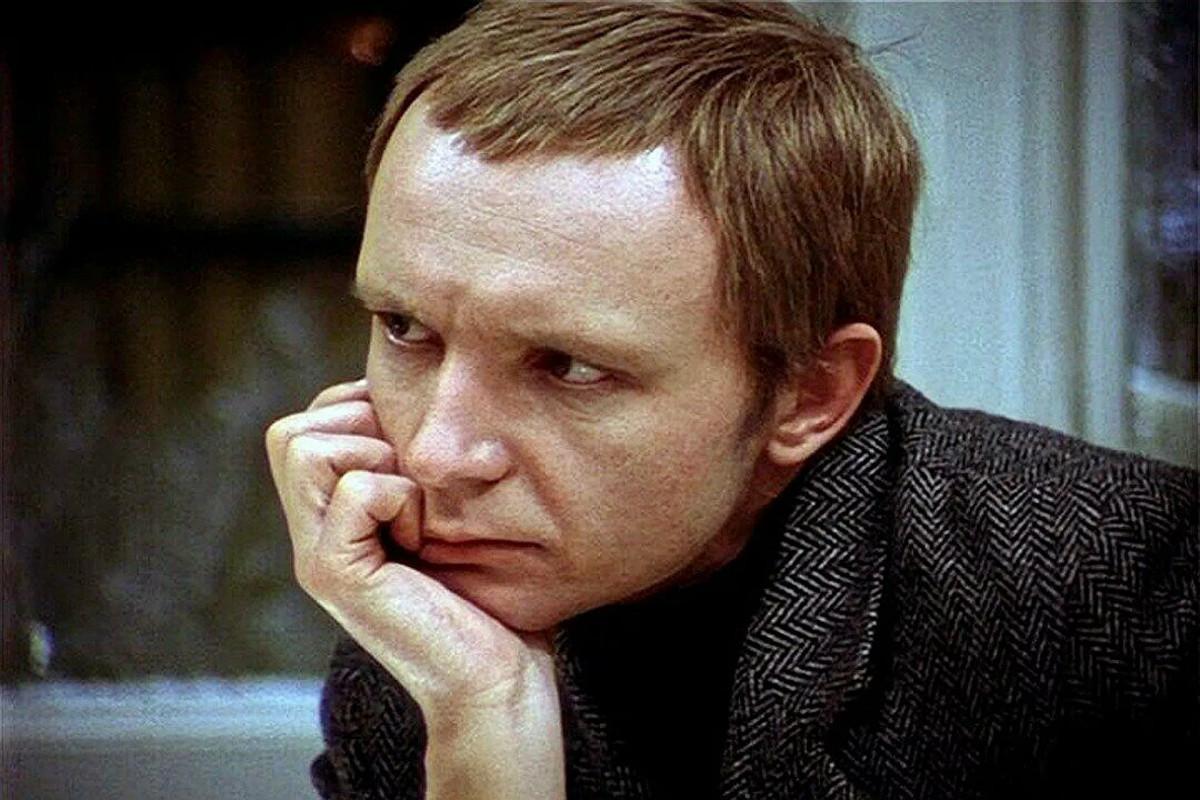 """Умер актер, исполнивший роль в советском кинофильме """"Ирония судьбы, или с легким паром!"""""""