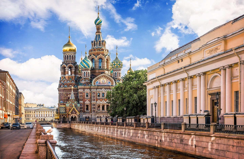 В Санкт-Петербурге идут обыски по делу о крупном хищении