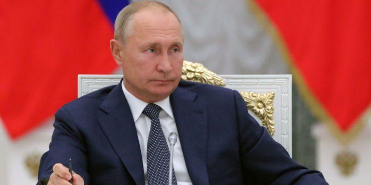 Путин поручил проработать вопрос о российском суде по правам человека