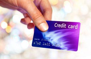 Россияне стали получать кредитные карты в 2 раза реже