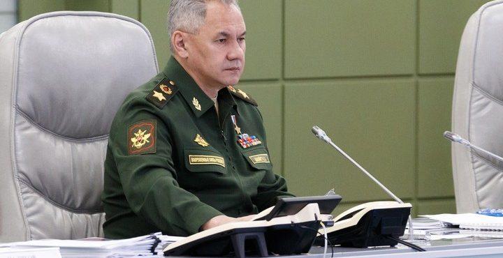 Шойгу переговорил с главой Минобороны Армении