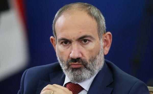 Президент не стал подписывать указ об отставке главы Генерального штаба