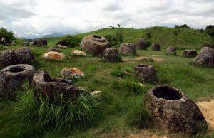 В Лаосе в 2500-летних каменных кувшинах обнаружили тела