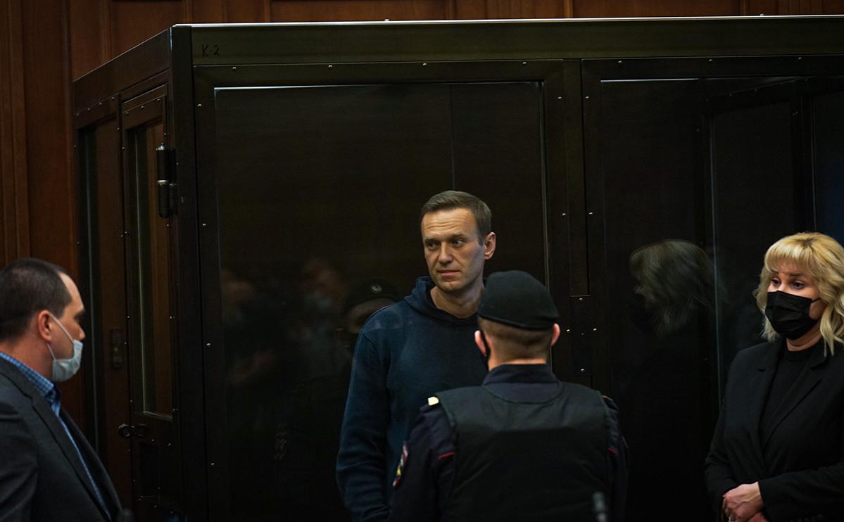ФСИН подало прошение заменить Навальному условный срок на 3,5 года колонии