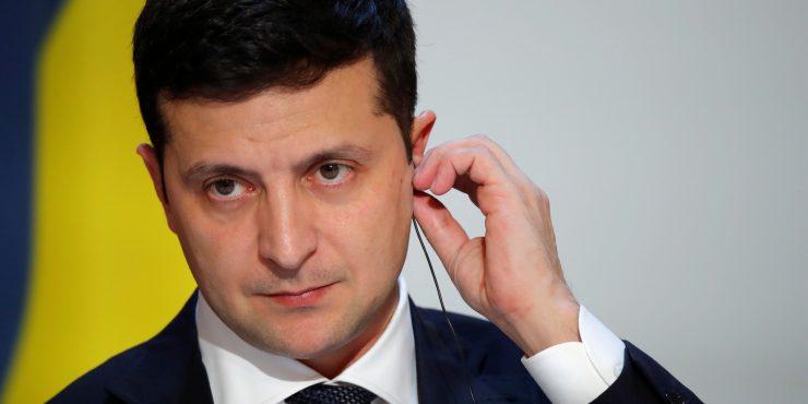 Зеленский прекратил вещание ряда телеканалов в Украине