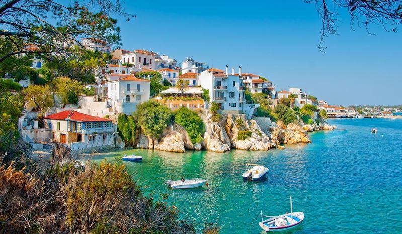 Министр туризма Греции заявил об избавлении туристов от формальностей благодаря прививкам