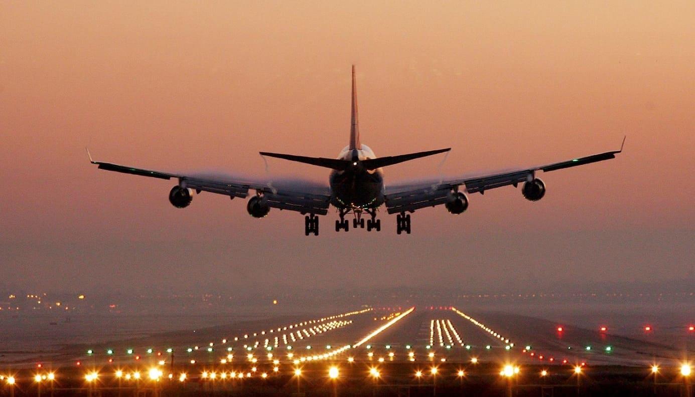 Россия продлила запрет на авиаперелеты с Великобританией