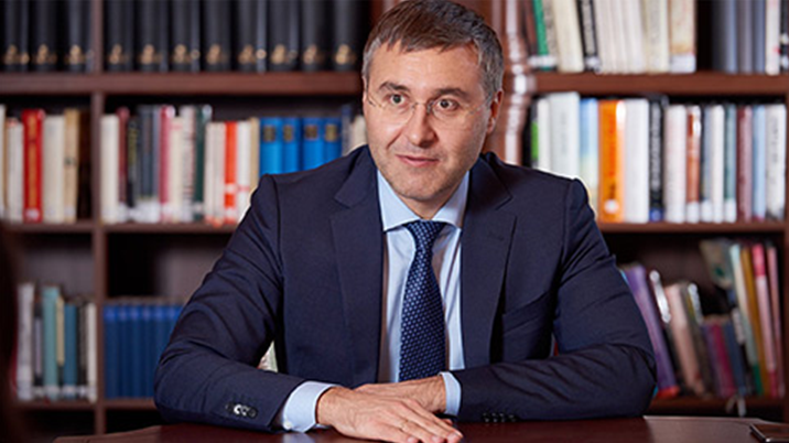 Минобрнауки выяснило размер средней зарплаты пожаловавшейся Путину ученой