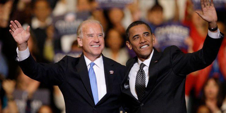 Байден регулярно консультируется с Обамой