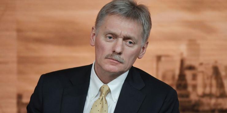 Песков считает, что пример Путина побудит россиян активнее вакцинироваться