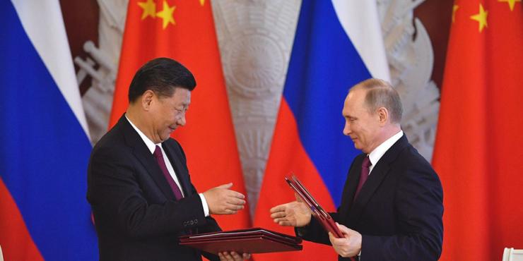 Боррель считает, что Россия и Китай объединяются для борьбы с Западом
