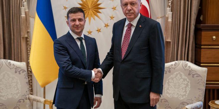 В Стамбуле начались переговоры глав Украины и Турции