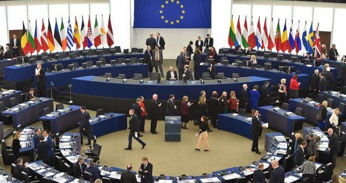 Европарламент выступает за ужесточение санкций для России