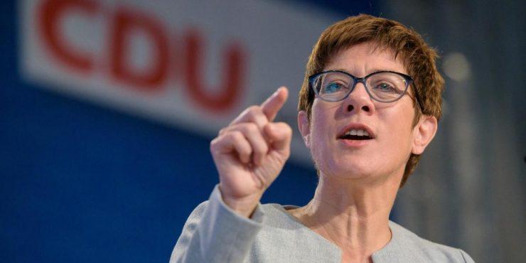 Глава Минобороны ФРГ назвала РФ угрозой Европе