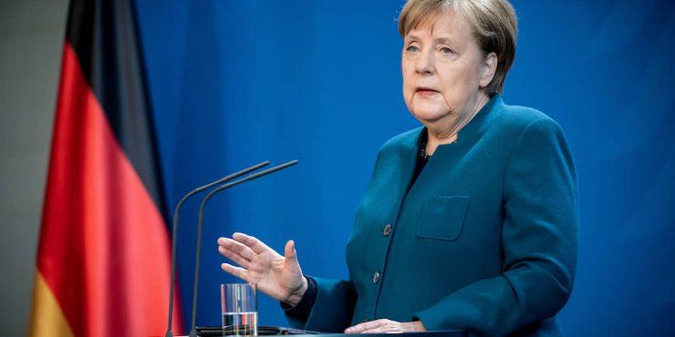 Меркель: Россия сблизилась с Китаем из-за разногласий с США