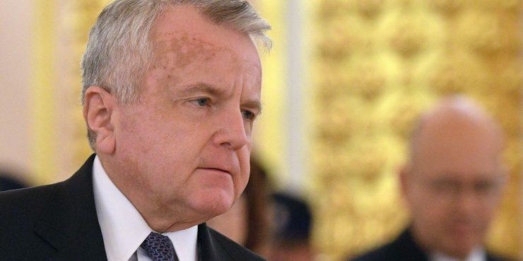 Ушаков порекомендовал американскому послу уехать на родину для консультации