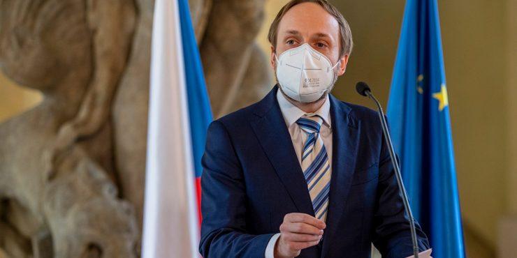 Прага сократит штат российского посольства