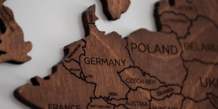 Чехия поблагодарила Словакию за высылку российских дипломатов