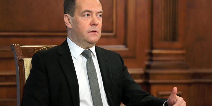 Медведев: Отношения России и США вернулись к временам холодной войны