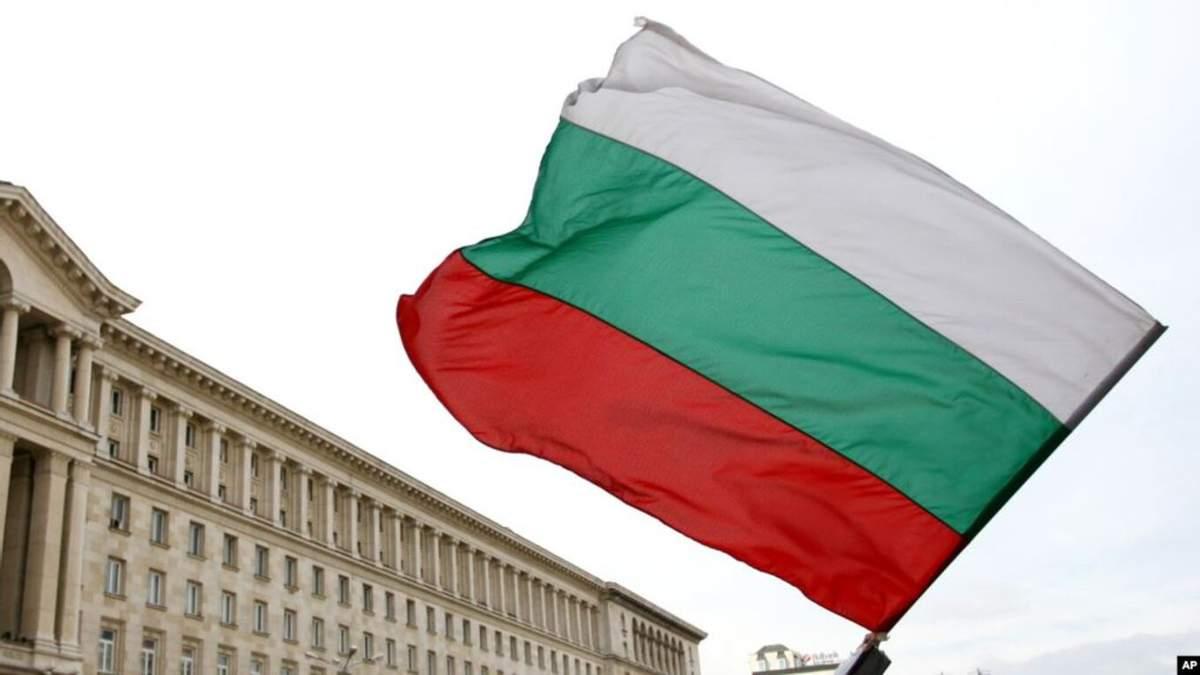 В Болгарии загорелся оружейный склад