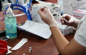 107-летняя жительницы Сербии вакцинировалась от коронавируса