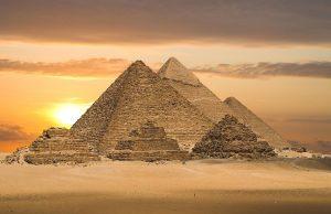 20 царских мумий перевозят в новый музей в Каире
