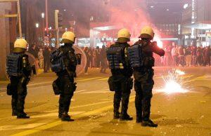 Митинг в Швейцарии разогнали, применив резиновые пули