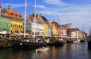 В Дании появились ковид-паспорта, позволяющие гражданам посещать общественные места